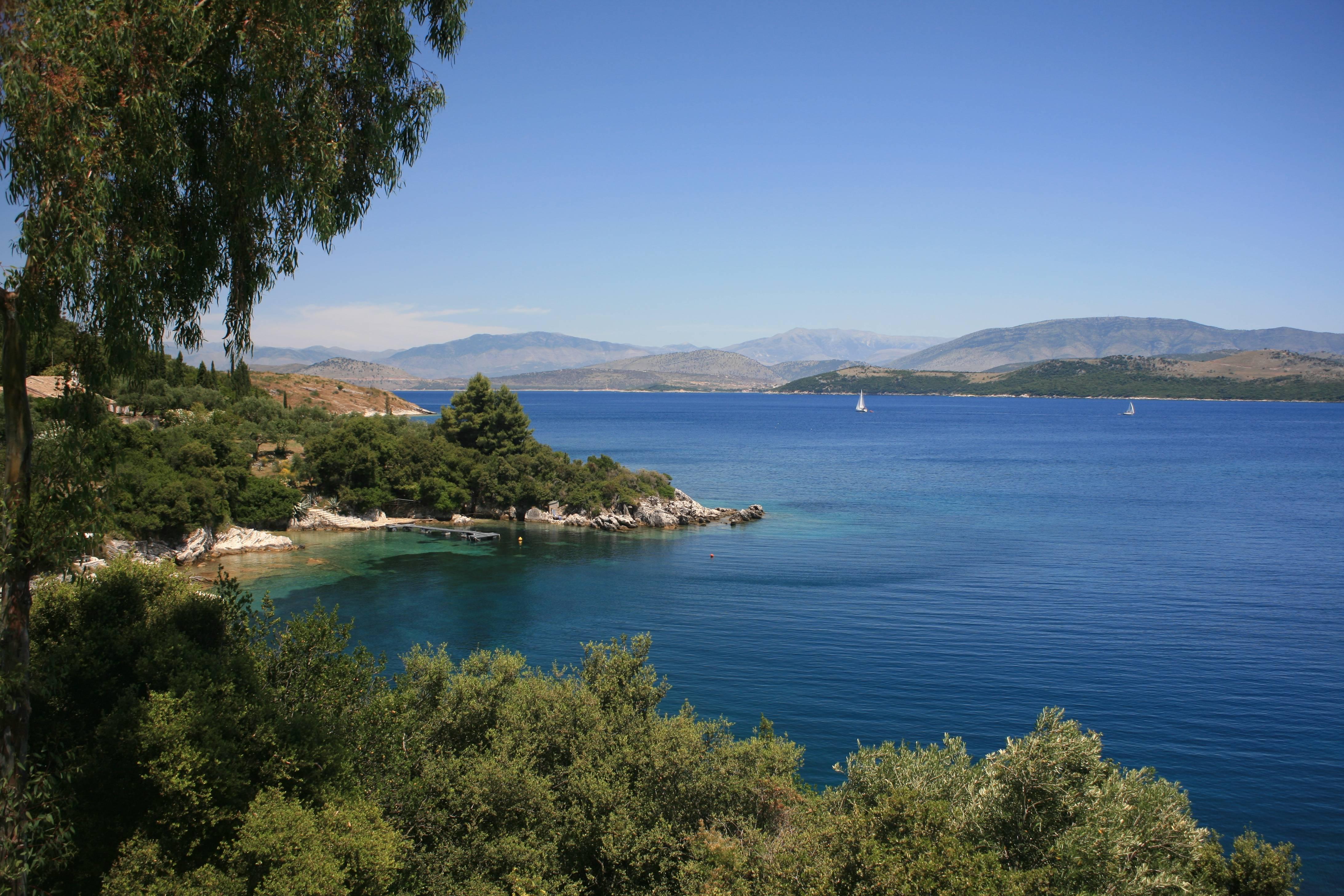 Rent Luxury villas in Greece