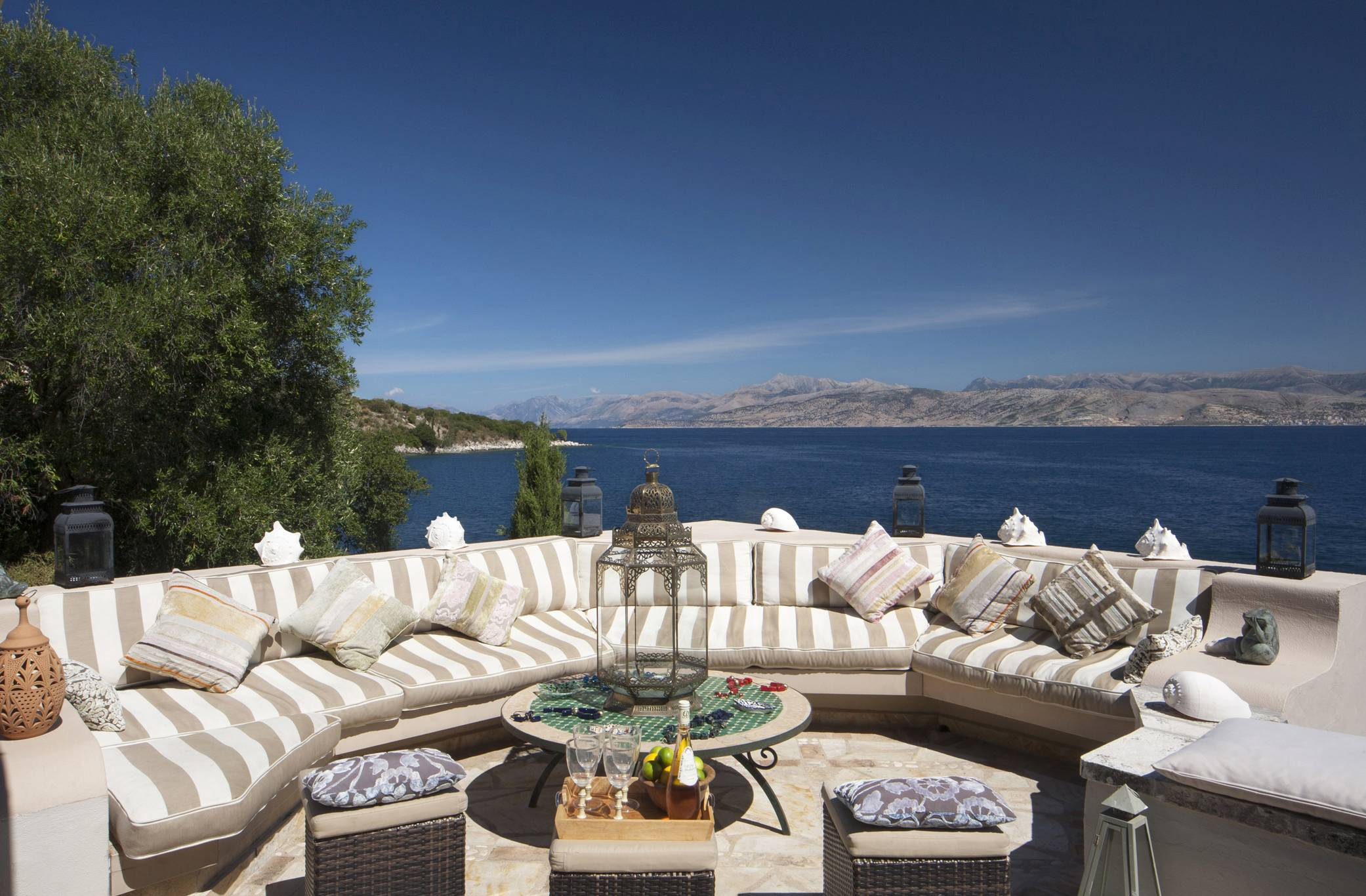 Sea View Luxury Villa And Pool