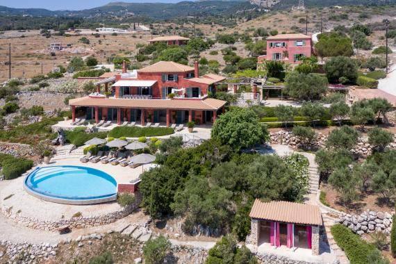 The Kipouri Estate