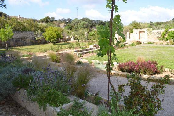 Alaior Gardens